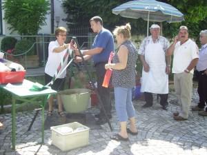 Vorbereitung zum Gulaschkochen im Altohof